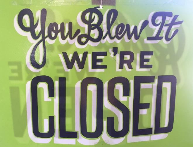2408-ClosedSign