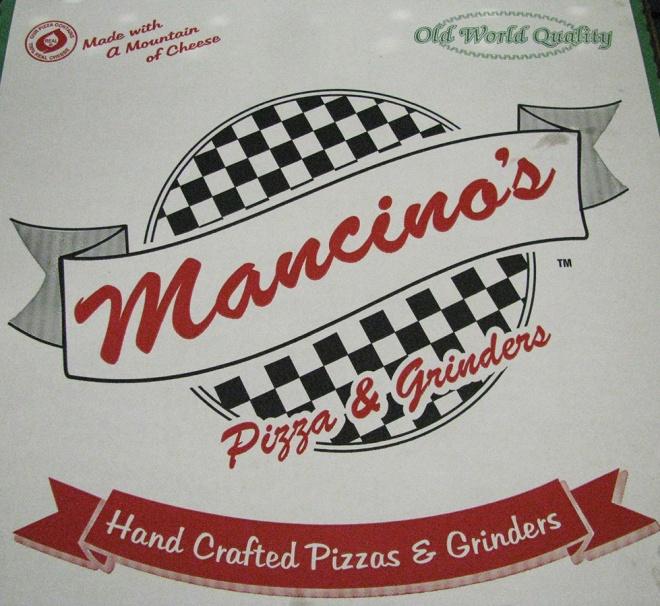 MancinosPizza1571