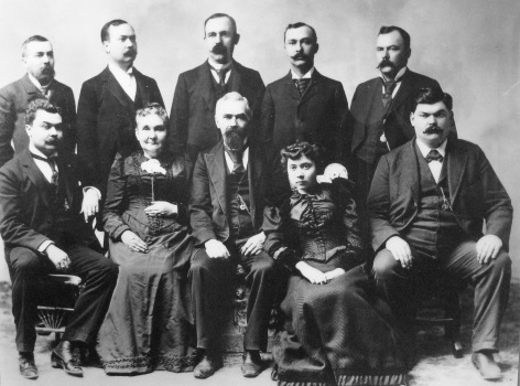 Entire Ringling family, 1895.